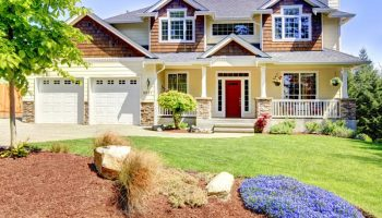 5 Materials to Make Your Garage Doors Stand Out